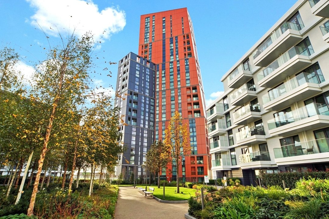 Flat to rent in Haydn Tower, 50 Wandsworth Road, SW8 2FN - view - 1