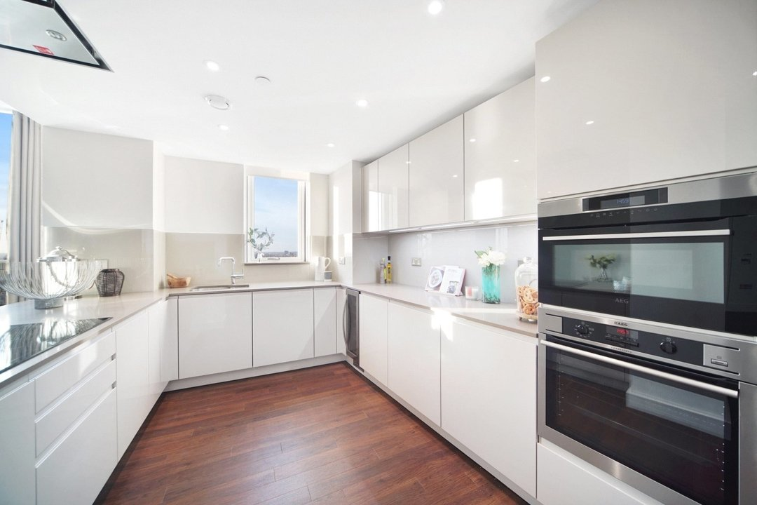 Flat to rent in Haydn Tower, 50 Wandsworth Road, SW8 2FN - view - 3