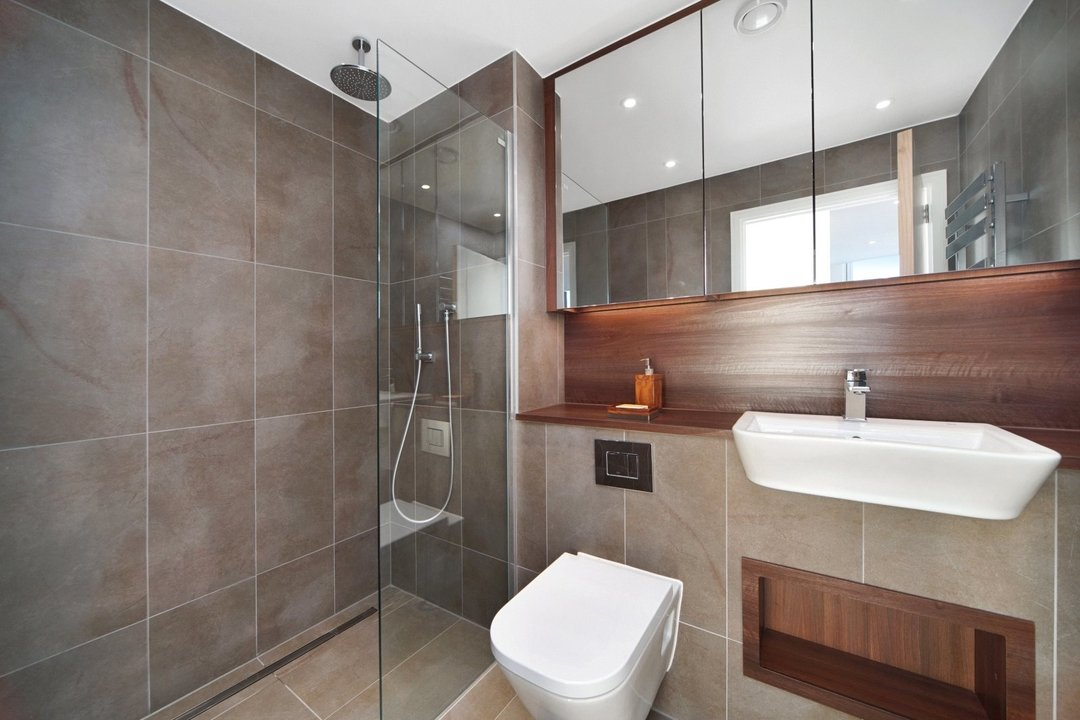 Flat to rent in Haydn Tower, 50 Wandsworth Road, SW8 2FN - view - 5