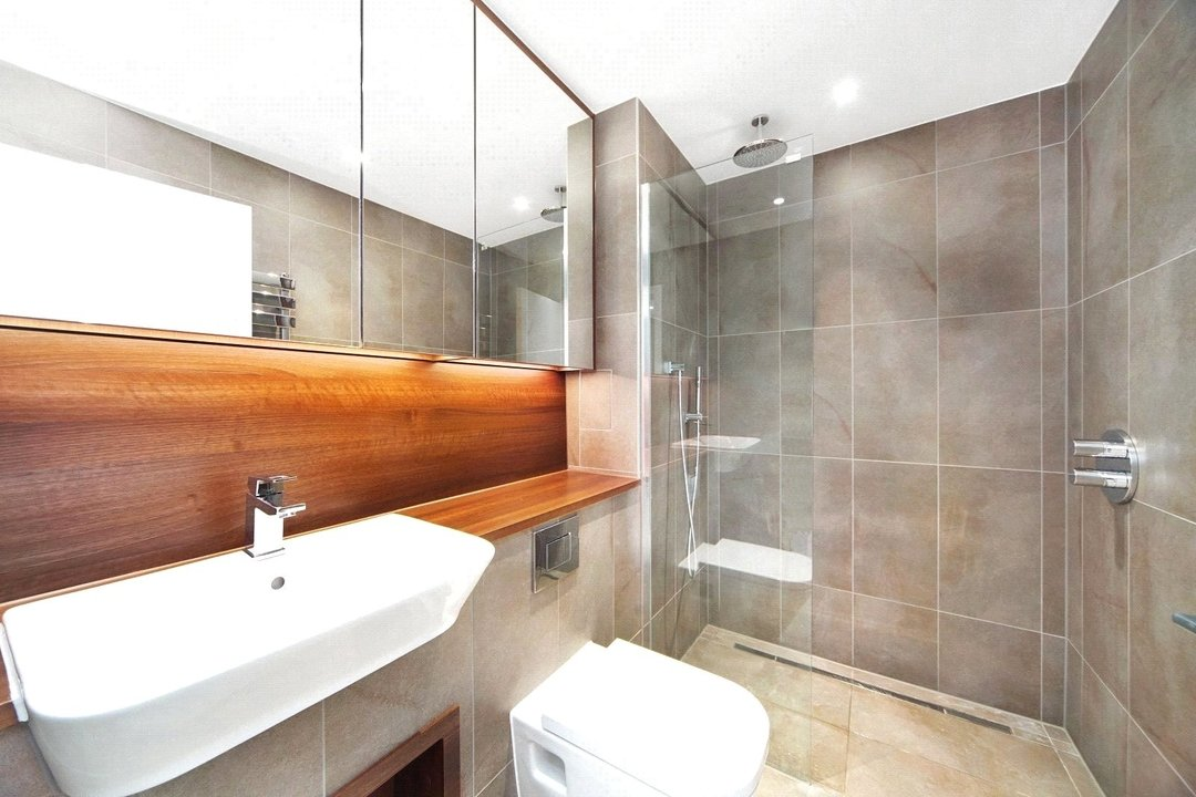 Flat to rent in Haydn Tower, 50 Wandsworth Road, SW8 2FN - view - 6