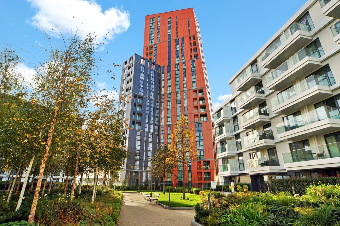 Flat to rent in Haydn Tower, 50 Wandsworth Road, SW8 2FN - view - 9