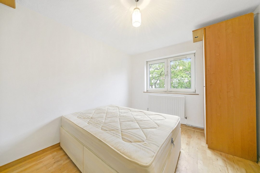 Flat to rent in Hookham Court, Deeley Road, SW8 4XH - view - 4