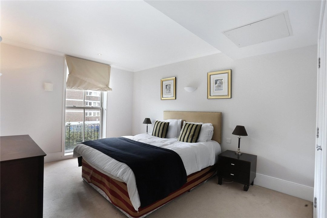 to rent in Kings Road, London, SW10 0UA - view - 3