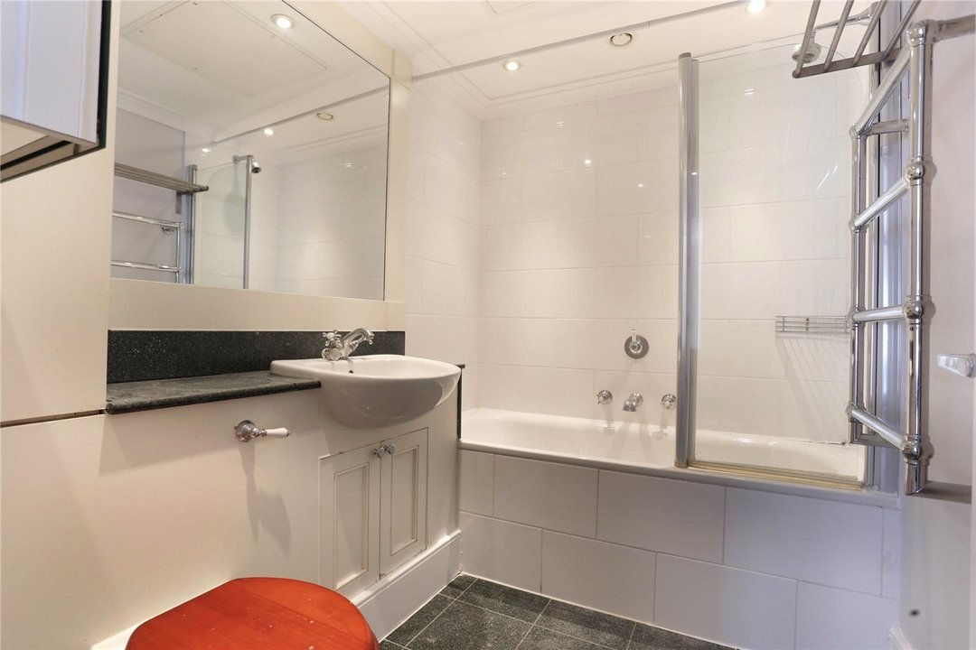 to rent in Kings Road, London, SW10 0UA - view - 5