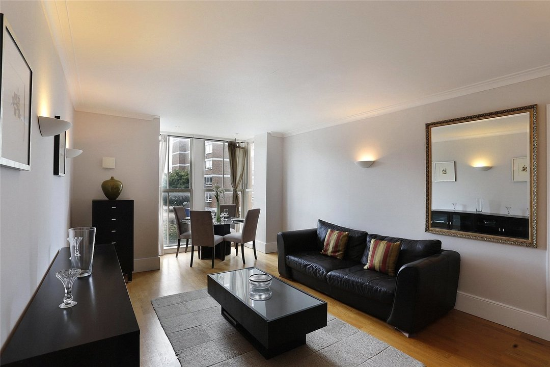 to rent in Kings Road, London, SW10 0UA - view - 1