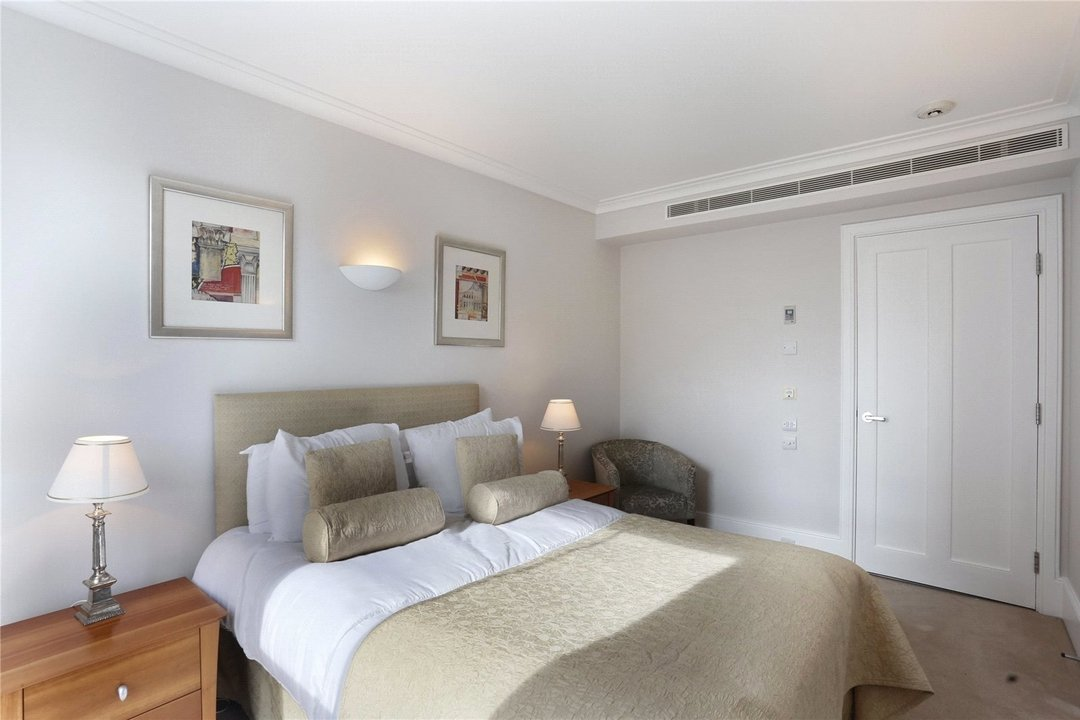 to rent in Kings Road, London, SW10 0UA - view - 4