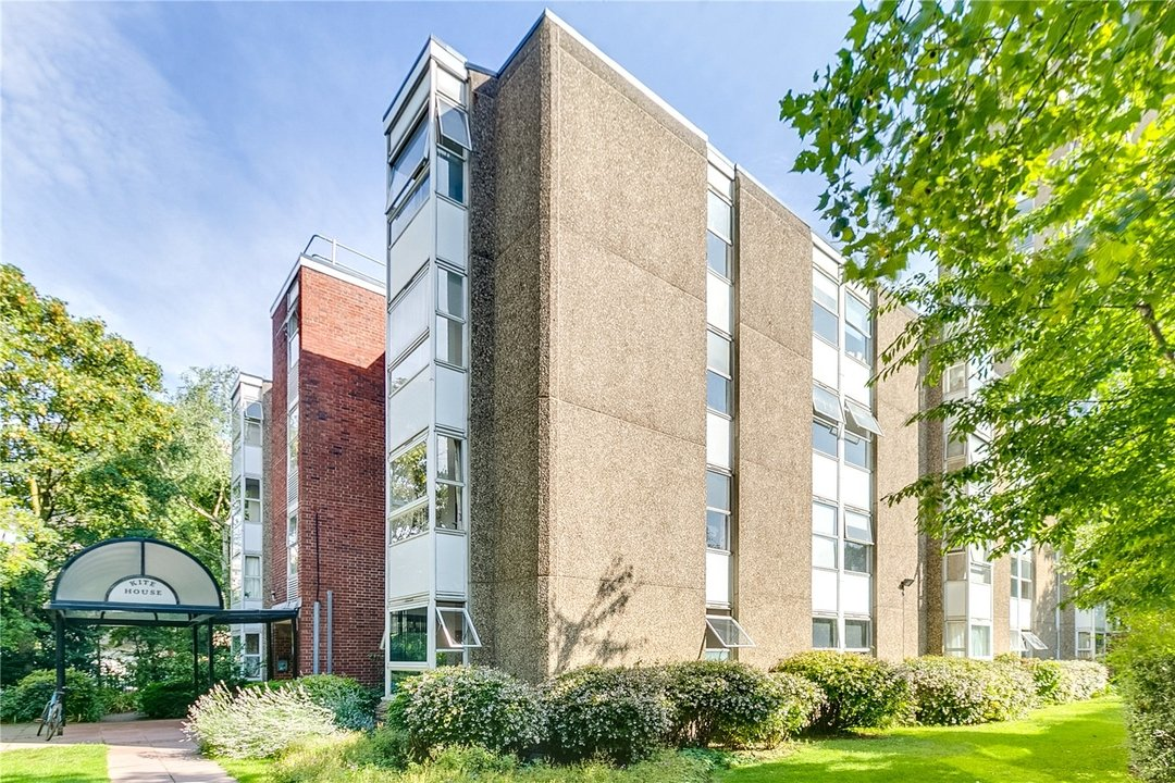 Flat to rent in Kite House, 50 Meyrick Road, SW11 2NJ - view - 1