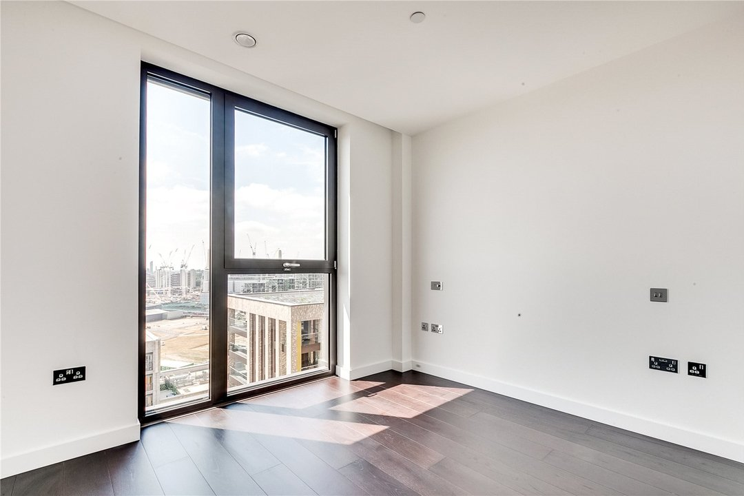 Flat to rent in Madeira Tower Ponton Road, London, SW11 7AA - view - 8
