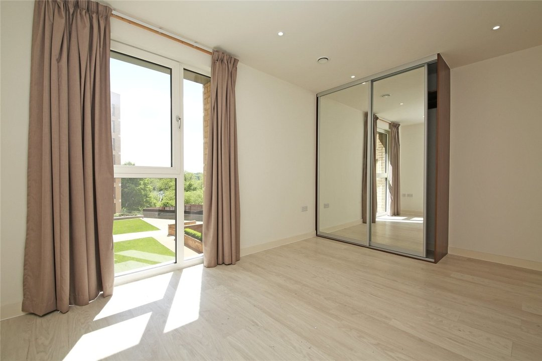 Maisonette to rent in Moorhen Drive, Hendon, NW9 7DS - view - 6