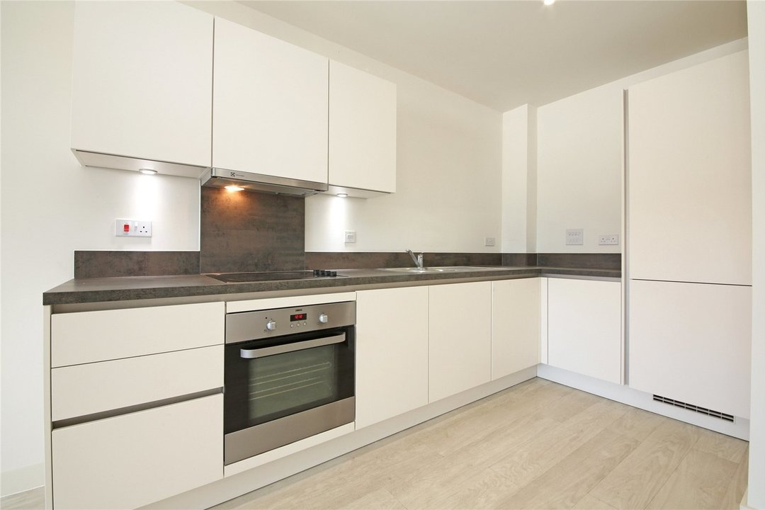 Maisonette to rent in Moorhen Drive, Hendon, NW9 7DS - view - 3