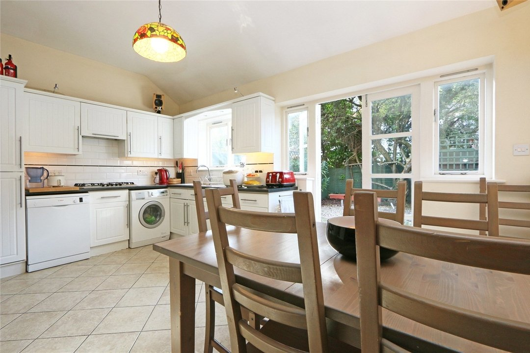 House to rent in Muncaster Road, London, SW11 6NU - view - 3