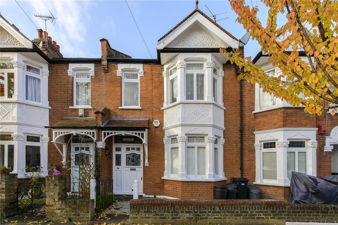 House to rent in Muncaster Road, London, SW11 6NU - view - 1