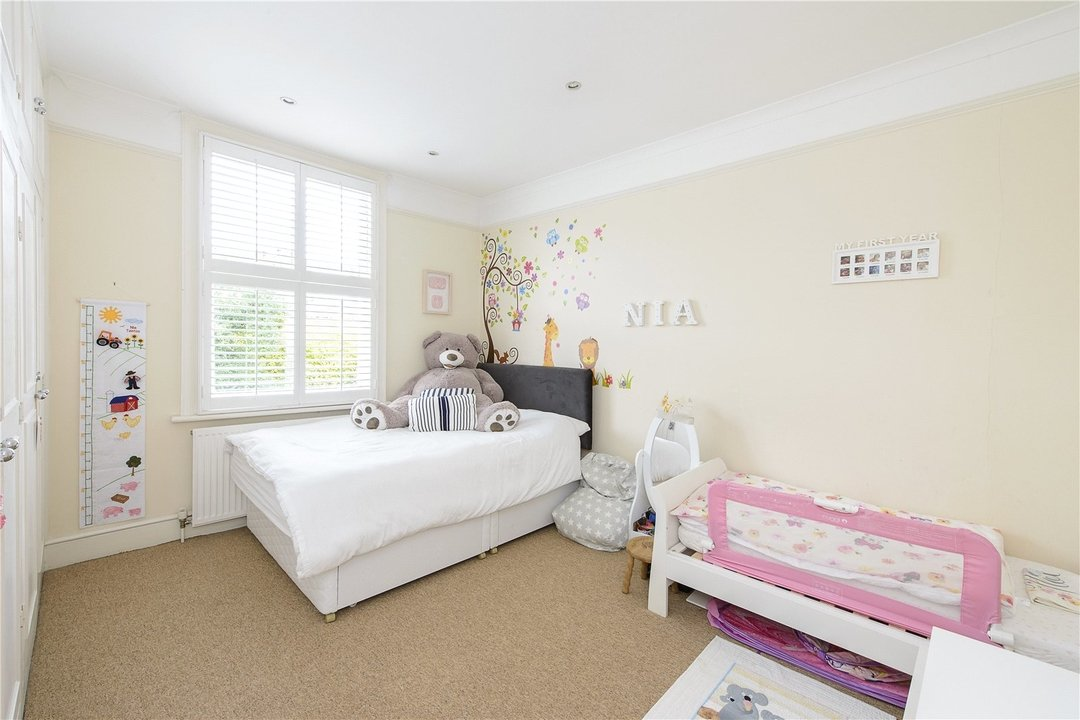 House to rent in Muncaster Road, London, SW11 6NU - view - 8