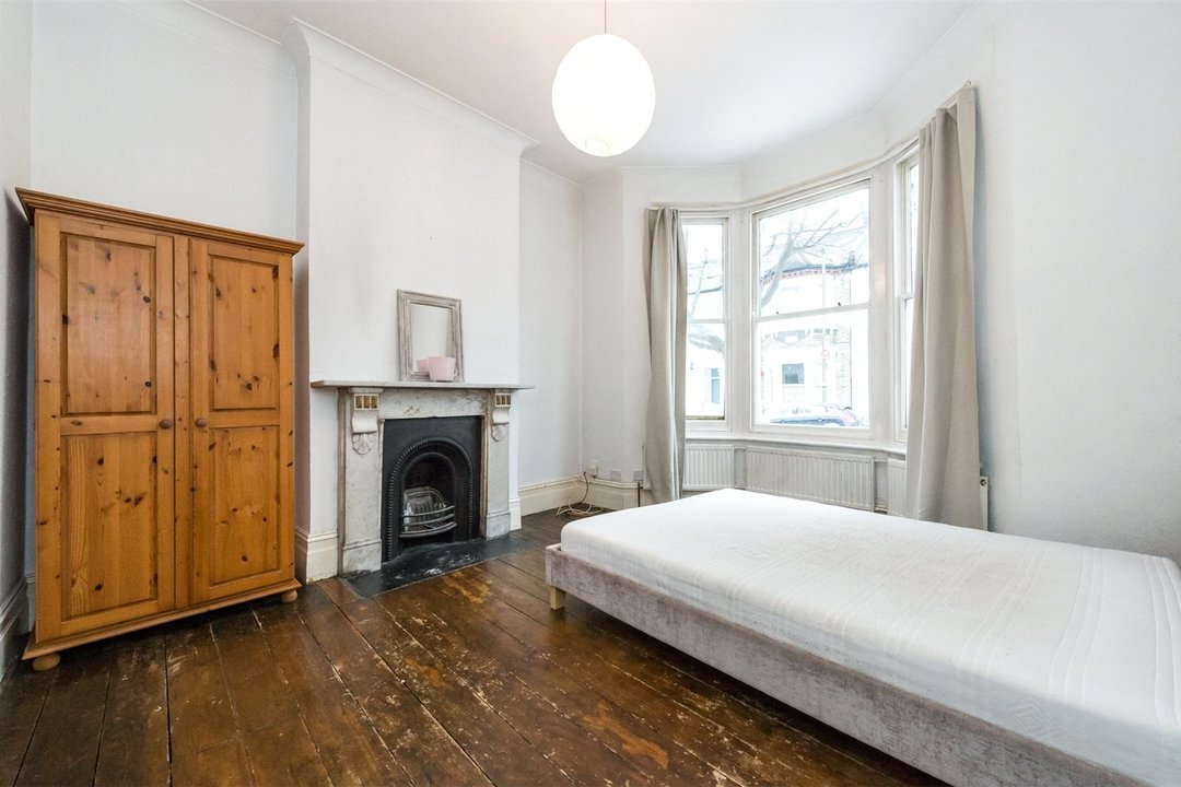 House to rent in Parma Crescent, , SW11 1LU - view - 4