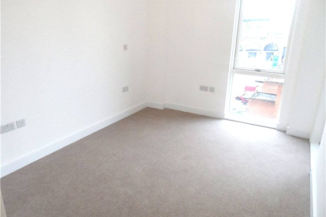 to rent in Porter Building, Spa Road, SE163FF - view - 5