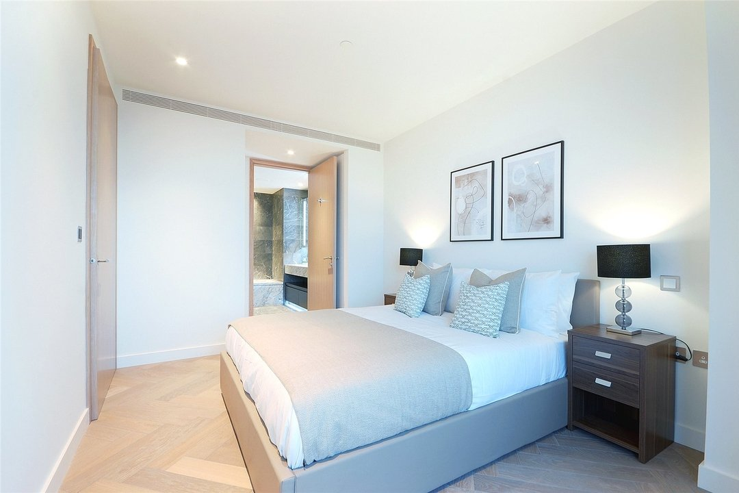 Flat to rent in Principal Tower, Hackney, EC2A 2BA - view - 11