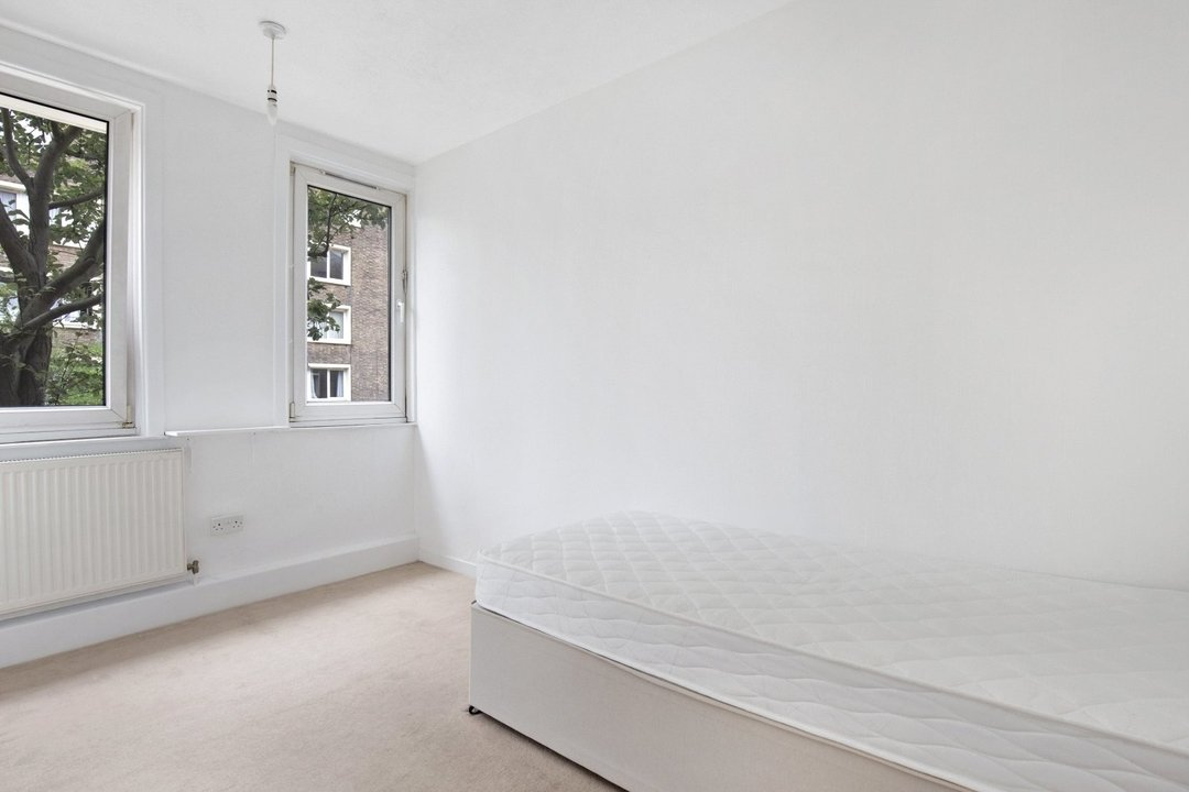 Flat to rent in Ramsey House, Maysoule Road, SW11 2BS - view - 6