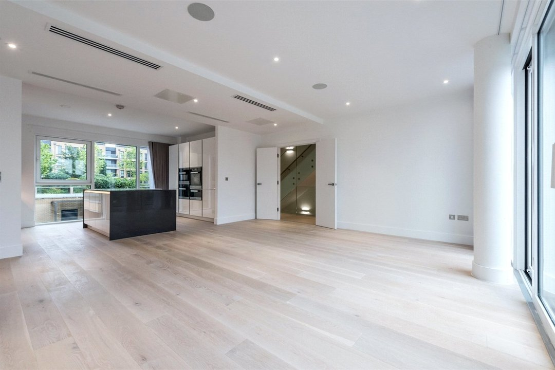 Flat to rent in Riverwalk Apartments, 5 Central Avenue, SW6 2GQ - view - 2