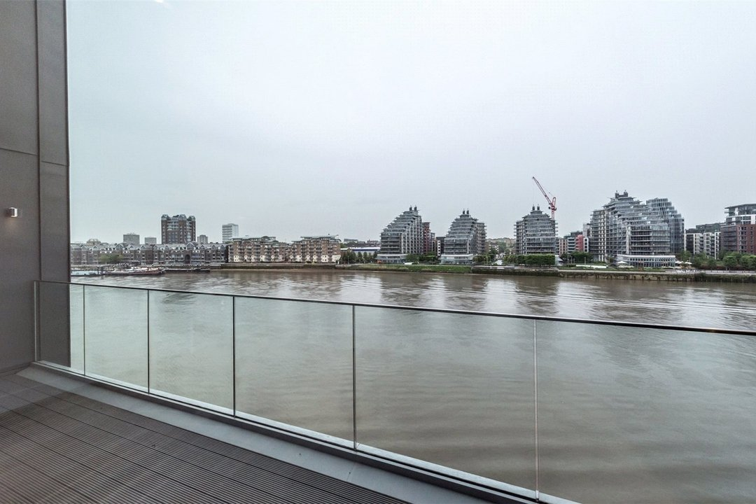 Flat to rent in Riverwalk Apartments, 5 Central Avenue, SW6 2GQ - view - 4
