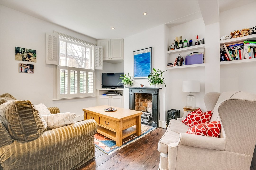House to rent in Sabine Road, London, SW11 5LW - view - 2