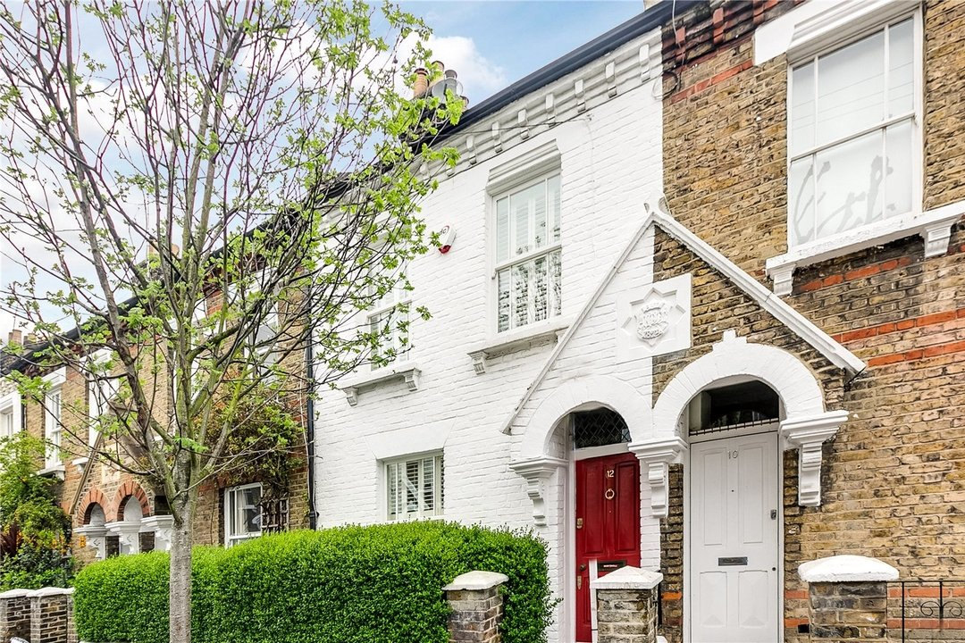 House to rent in Sabine Road, London, SW11 5LW - view - 1