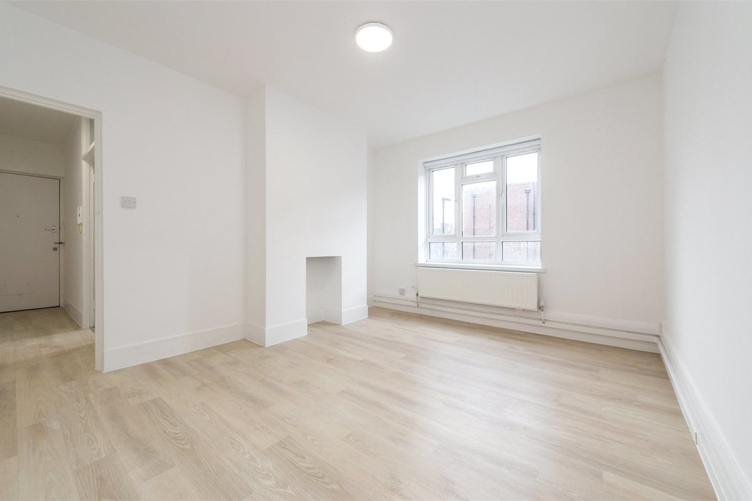 Flat to rent in Triangle Place, London, SW4 7HS - view - 2