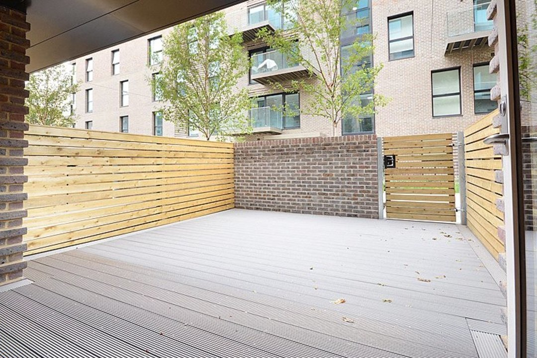 to rent in Victory Place, London, SE17 1PG - view - 9