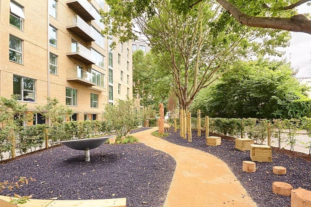to rent in Victory Place, London, SE17 1PG - view - 15