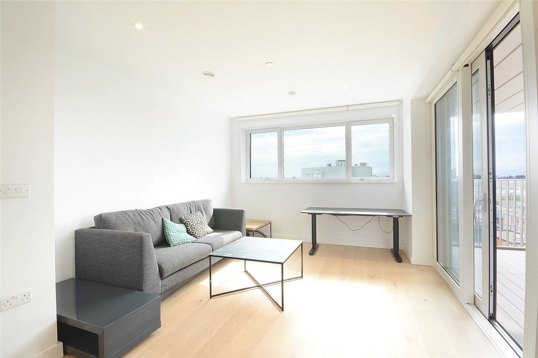 Flat to rent in Walton Heights, 143 Walworth Road, SE17 1FZ - view - 5