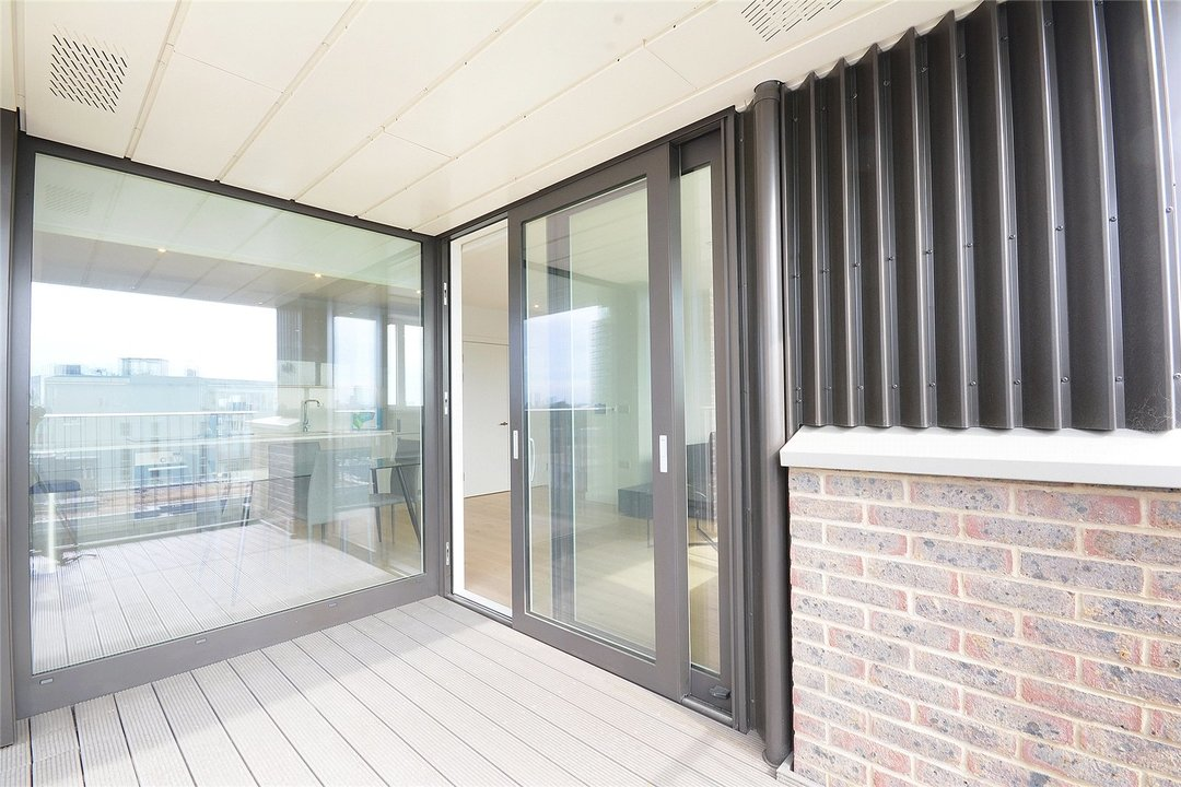 Flat to rent in Walton Heights, 143 Walworth Road, SE17 1FZ - view - 10