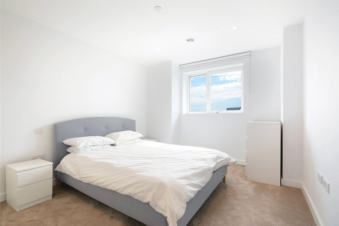 Flat to rent in Walton Heights, 143 Walworth Road, SE17 1FZ - view - 3