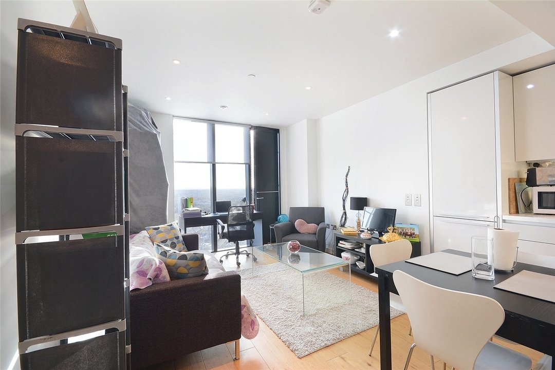 Flat to rent in Walworth Road, London, SE1 6EJ - view - 5