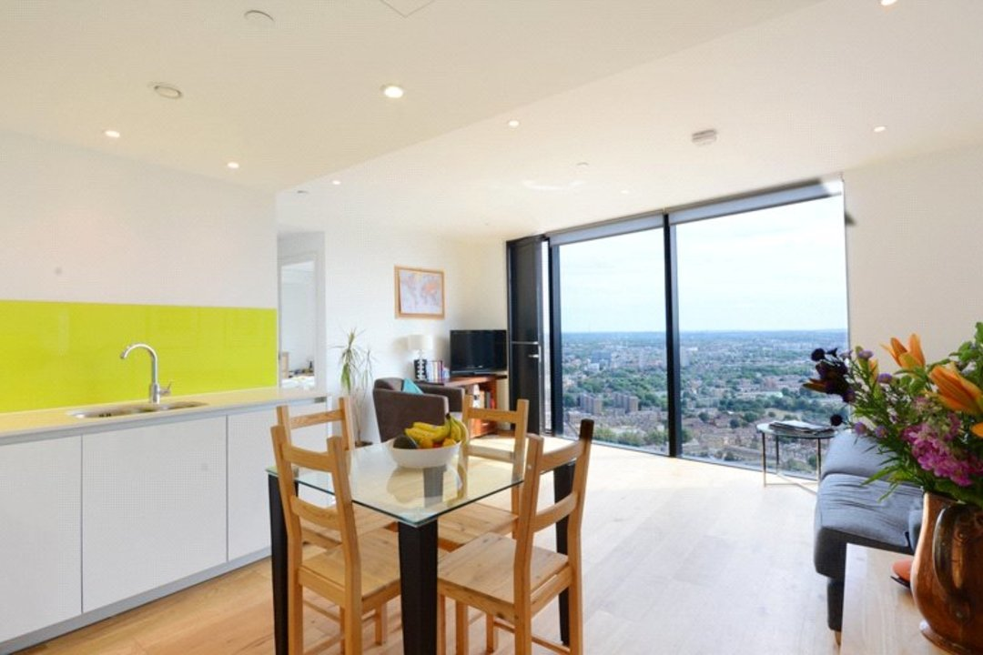 Flat to rent in Walworth Road, London, SE1 6EL - view - 2