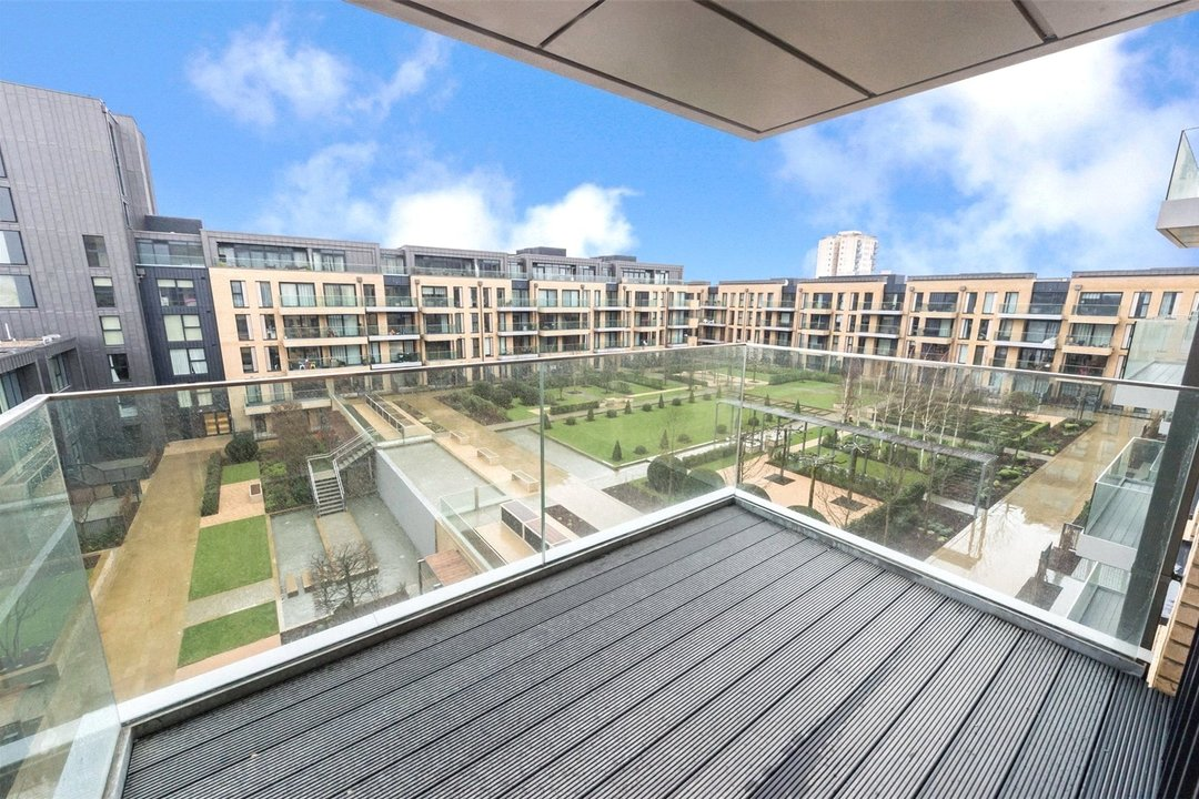 Flat to rent in Westbourne Apartments, 5 Central Avenue, SW6 2GP - view - 4