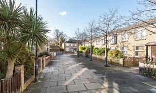 House for sale in Bobbin Close, London, SW4 0LL-View-1