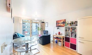 for sale in Crampton Street, London, SE17 3BU-View-1