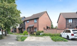 for sale in Furtherfield Close, Croydon, CR0 3DZ-View-1