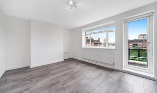 to rent in Aldwyn House, Davidson Gardens, SW8 2HX-View-1