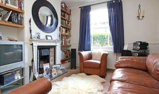 House to rent in Ashbury Road, London, SW11 5UQ-View-1