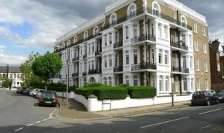 to rent in Avenue Mansions, Sisters Avenue, SW11 5SL-View-1