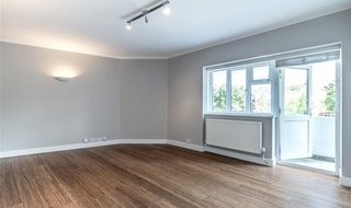 to rent in Brondesbury Court, 235 Willesden Lane, NW2 5RR-View-1