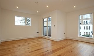 to rent in Clarence Walk, London, SW4 6QR-View-1