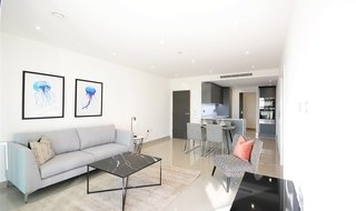 Flat to rent in Conquest Tower, 130 Blackfriars Road, SE1 8BZ-View-1