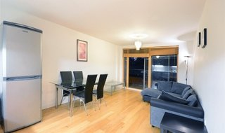 to rent in Crampton Street, London, SE17 3BT-View-1