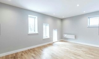 to rent in Gerard Court, 131 Walm Lane, NW2 3AU-View-1