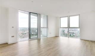 Flat to rent in Gladwin Tower, 50 Wandsworth Road, SW8 2FA-View-1