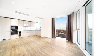 Flat to rent in Haydn Tower, 50 Wandsworth Road, SW8 2FP-View-1