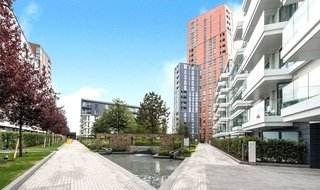Flat to rent in Haydn Tower, 50 Wandsworth Road, SW8 2FN-View-1