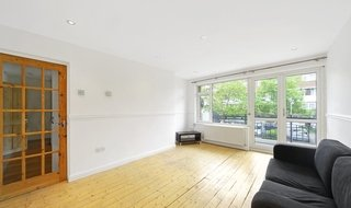 Flat to rent in Hookham Court, Deeley Road, SW8 4XH-View-1