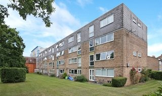 to rent in Kintyre Close, Norbury, SW16 4SF-View-1